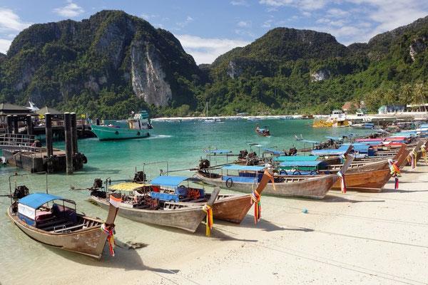 Longtailboote auf Koh Phi Phi