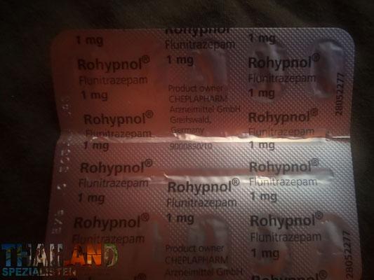 1mg Rohypnol - kostet je 1 Tablette 40 Baht. Diese werden aus Deutschland reingeflogen.
