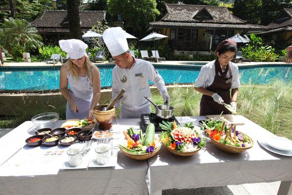 Kochkurse - thailändisch kochen lernen ob nun im Luxushotel oder in einer kleinen Gruppe in Chiang Mai.