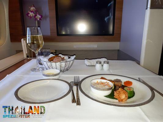 Essen Thai Airways First class. Jedenfalls eines der 5 Gänge :)