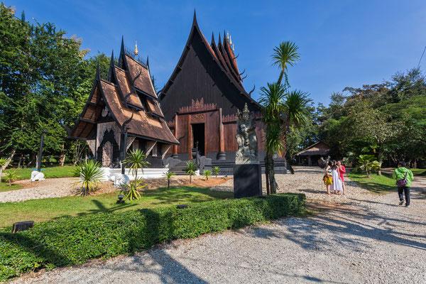 """Beliebte Touristen-Attraktion in Chiang Rai: Der sogenannte """"Schwarze Tempel"""""""