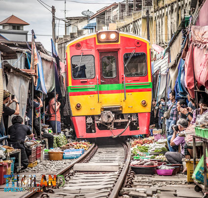 Den Mae Klong Zugmarkt unbedingt mitbuchen. Ein Muss für jede Thailand-Reise.