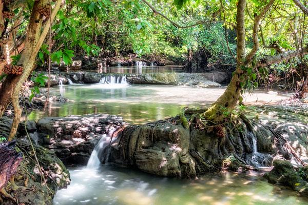 Huai Mae Khamin Wasserfall im Regenwald von Kanchanaburi