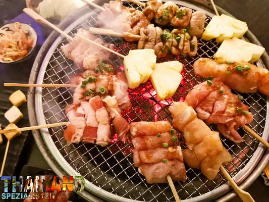 BBQ Grillen auf dem Tisch in Chiang Mai