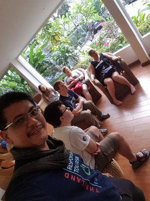 Meeting und Kennenlernen mit allen Teilnehmern sowie Reiseleiter