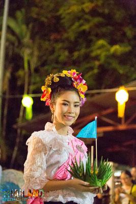 Lichterfest Strassenzug Chiang Mai