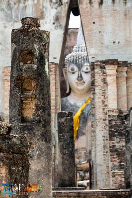 Wat Si Chum im Geschichtspark Sukhothai
