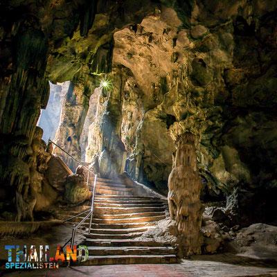 Mystischer Höhleneingang der Khao Luang