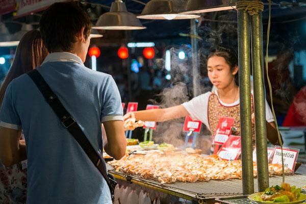 Night Bazaar Chiang Mai - Garküchen, muss man probieren!