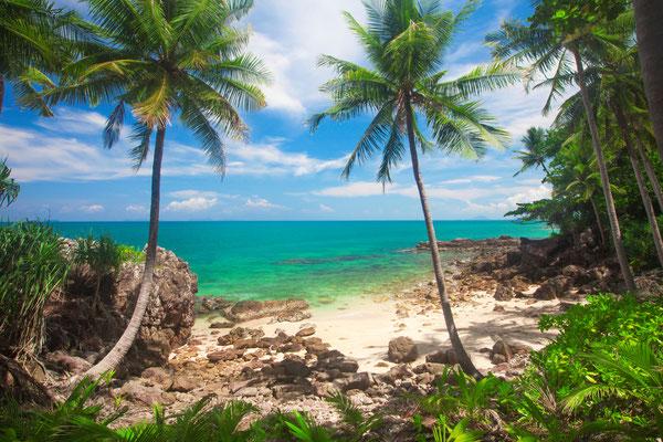 Tropische Strände wie aus einem Reiseführer über Koh Lanta. Trifft auch exakt so zu!