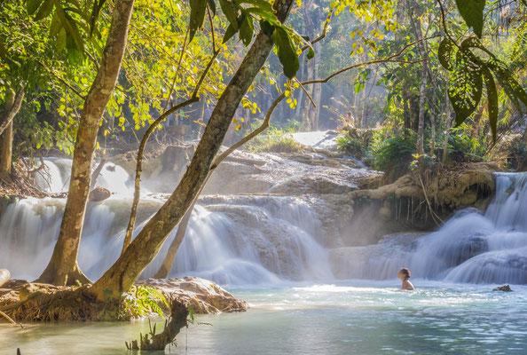 Schwimmbecken Kuang Si Waterfall in Luang Prabang
