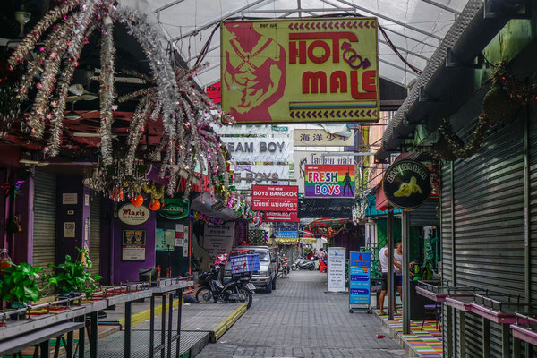 Stadtteil Silom in Bangkok. Ebenfalls beliebt bei Gay-Urlaubern