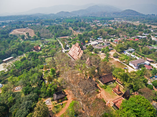 Luftaufnahme vom Baan Dam Museum in Chiang Rai