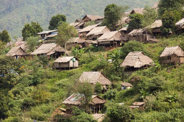 Burmesisches Dorf nahe Umphang