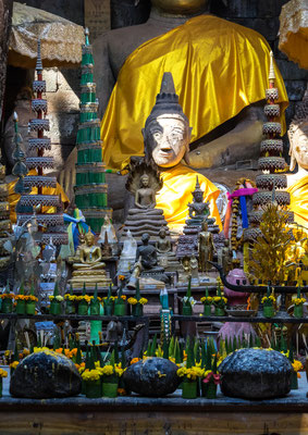 Buddha im Wat Phou
