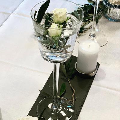 hoher Glaskelch klar für Blumen oder Kerzen