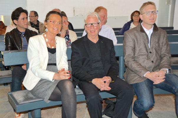 Johannes Engels, ehemaliger Leiter des Kulturamtes (mitte) zusammen mit C. Kerner und Pfarrer von Egidi