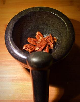 Pecan Nüsse für die gefüllten Zuccini