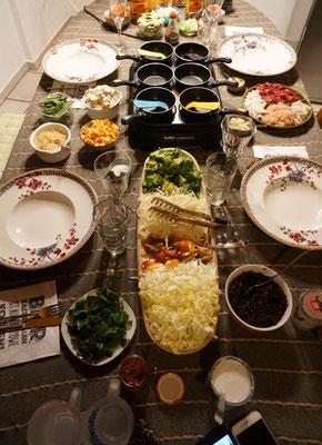 Gedeckter Tisch Wokpfännchen