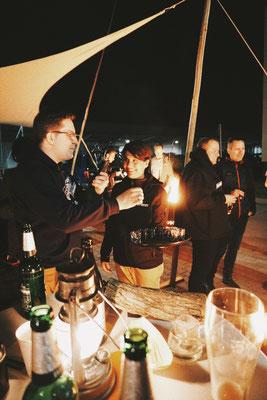 Lagerfeuerromantik - Eröffnung Feuerhand und Petromax Welt in Magdeburg