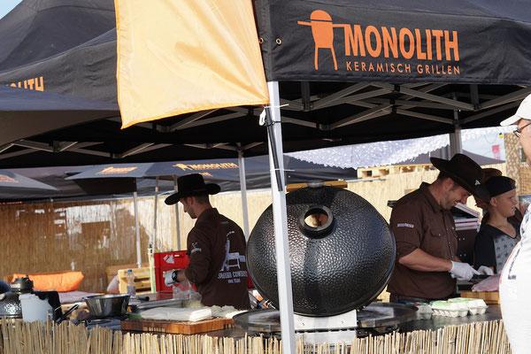 Monolith-Grill
