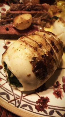 Tintenfischtuben gefüllt mit Spinat und Ziegenfeta