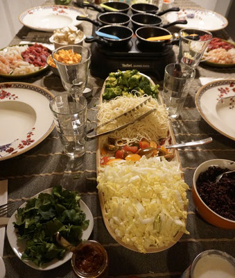 Party Wok. Gedeckter Tisch