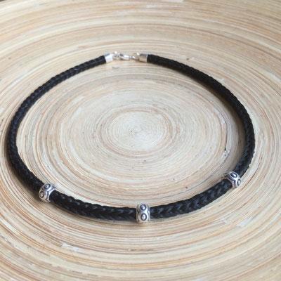 Halskette eckig geflochten mit 3 Zwischenelementen