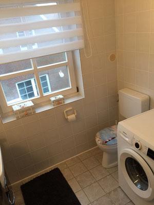Maritimes Ambiente finden Sie auch im Bad inklusive Waschmaschine