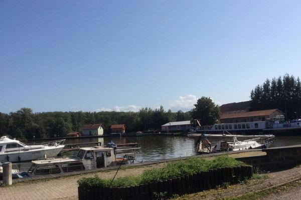 Le port du Vieux Moulin