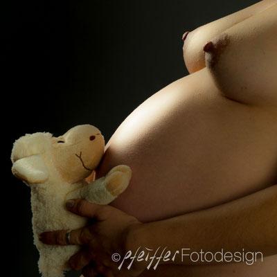Babybauch / Akt • Fotostudio