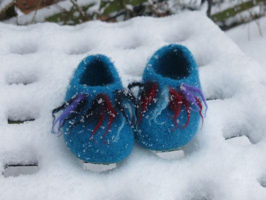 yippieh! die ersten Schneeflocken! Filzpuschen