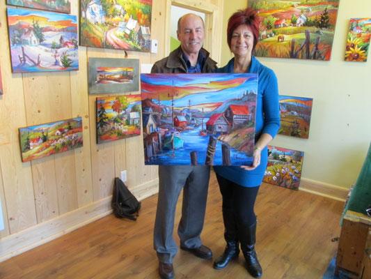 M. Pierre Blouin aux côtés de l'artiste peintre Suzanne Claveau de Notre-Dame-du-Mont-Carmel.
