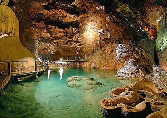 Camping Les Trois Sources Vallées Lot Dordogne - Visitez le Gouffre de Padirac - La rivière souterraine