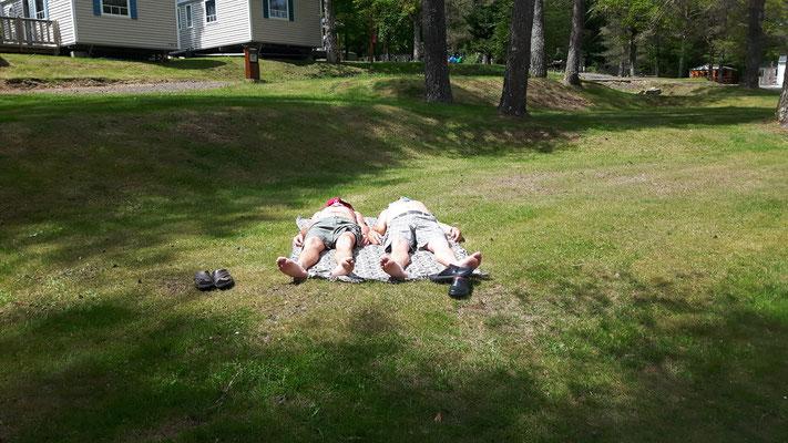 Petite sieste au camping Lot Les trois sources
