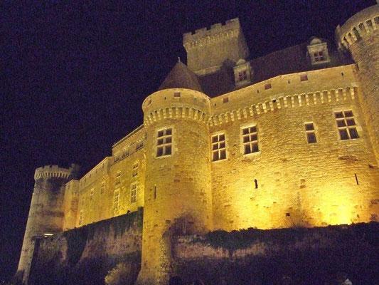 Chateau de Castelnau - Camping les trois sources 4 étoiles Lot Vallée de la Dordogne