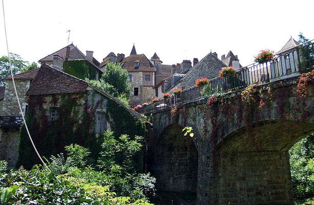 Carennac - Camping les trois sources 4 étoiles Lot Vallée de la Dordogne