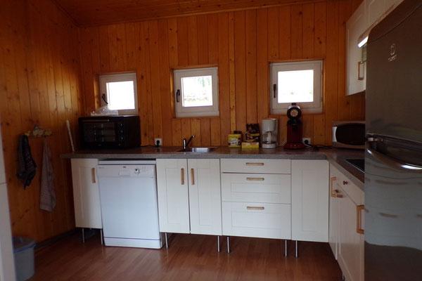 Camping les Trois Sources Vallées Lot Dordogne - Gite Chalet indépendant cuisine