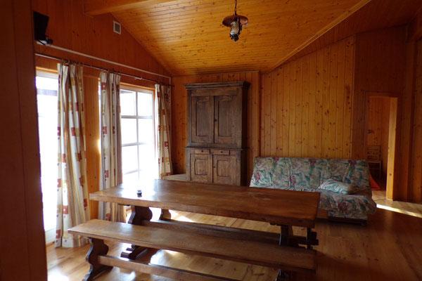 Camping les Trois Sources Vallées Lot Dordogne - Gite Chalet indépendant salle de vie