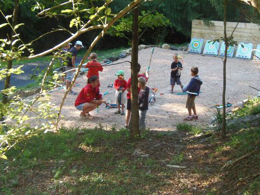 Tir à l'arc au Camping les trois sources 4 étoiles Lot Vallée de la Dordogne