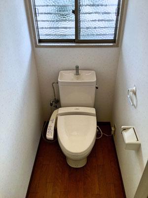 1階トイレ。嬉しい暖房便座&ウォッシュレット。
