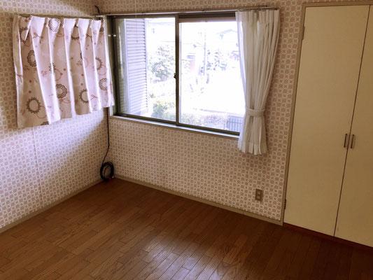 子供部屋は5.4帖の洋室。床は嬉しい無垢フローリング。