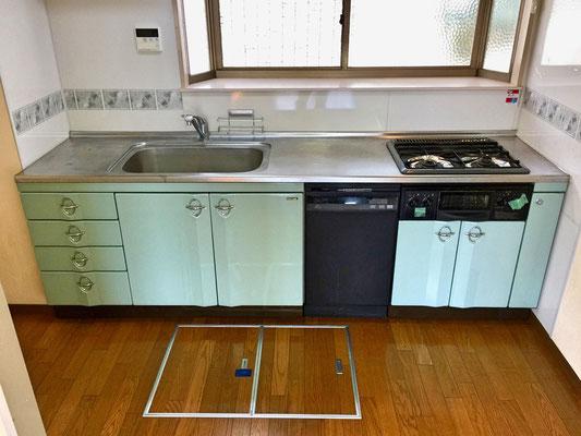 広い調理台に広いシンクで腕を奮った後の片付け物は、自動食洗乾燥機が活躍してくれます。