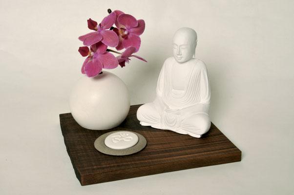 Nussbrett geölt inklusive Duftschale, Duftstein und Buddha, Brett: H x B x T: 1,5x25x21cm