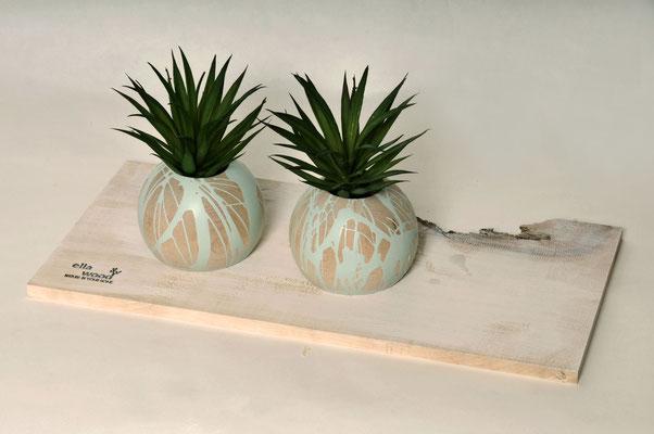 Pflanzenübertopf aus Buche natur in Handarbeit verziert inklusive Glaseinsatz ca. Ø 4,5cm oder 6cm (auch als Vase geeignet)