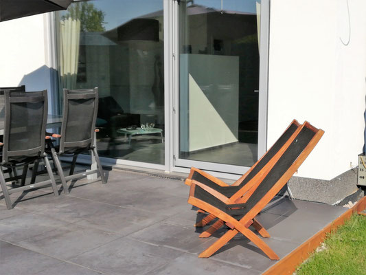 Belia's Home Ferienwohnung Liegestuhl