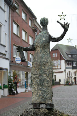 Belia's Home Ferienwohnung Moers Skulptur
