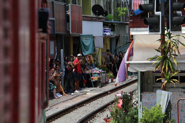 Die spannende und erwartete Ankunft in Mae Klong!