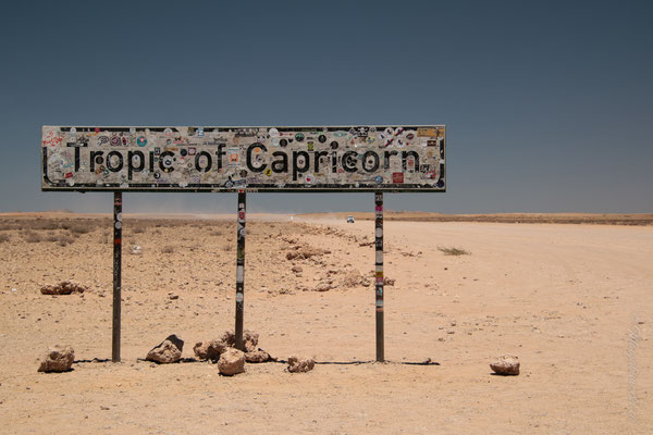 Tropic of Capricorn ist südlichste Breitengrad, bei dem die Sonne direkt über dem Kopf stehen kann! / Tropic of Capricorn is the southernmost latitude where the sun can stand directly over your head!
