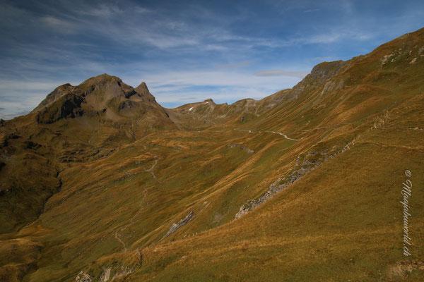 Blick zurück zum Faulhorn! / View back where we came from... the Faulhorn!